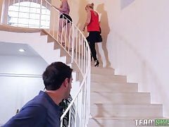 Darcie Belle and one more blonde girl want to share abiding shaft