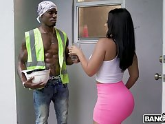 Sizzling black worker fucks soaking pussy of super curvy Rose Monroe