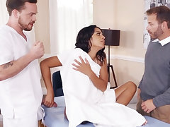 Latina wifey cheerfully drills their way enormous-dicked massagist