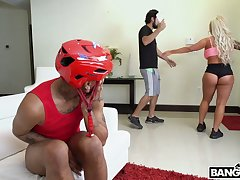 Sex crazed top notch PAWG Brandi Bae has a young ebon man all to herself