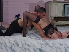 Sexy Kenna James surrounding small soul fucked by an doyenne lover