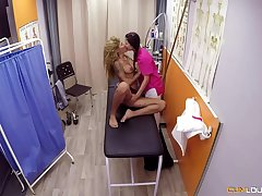 Jade and Venus Afrodita are having a threesome in a local hospital, with a taking doctor