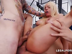 Luna Starlet is a immense culo light-haired inclusive who loves to get doublefucked, until she ejaculates