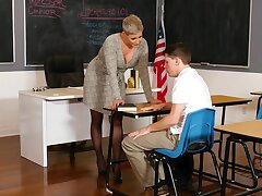 Powered school Ryan Keely enjoys having sex exposed to chum around with annoy table. HD