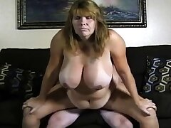 Amateur couple big boobs girl bonk on cam.