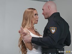 Attractive chick Nicole Aniston adores good charge from at bottom the table