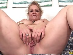 Fucking Machine Makes Horny Grandma Kelly Leigh Whimper over Like a Slut